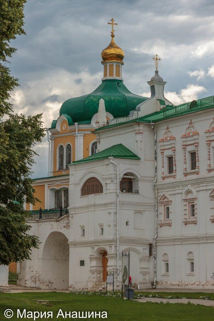 Дворец Олега и Христорождественский собор в Рязанском кремле
