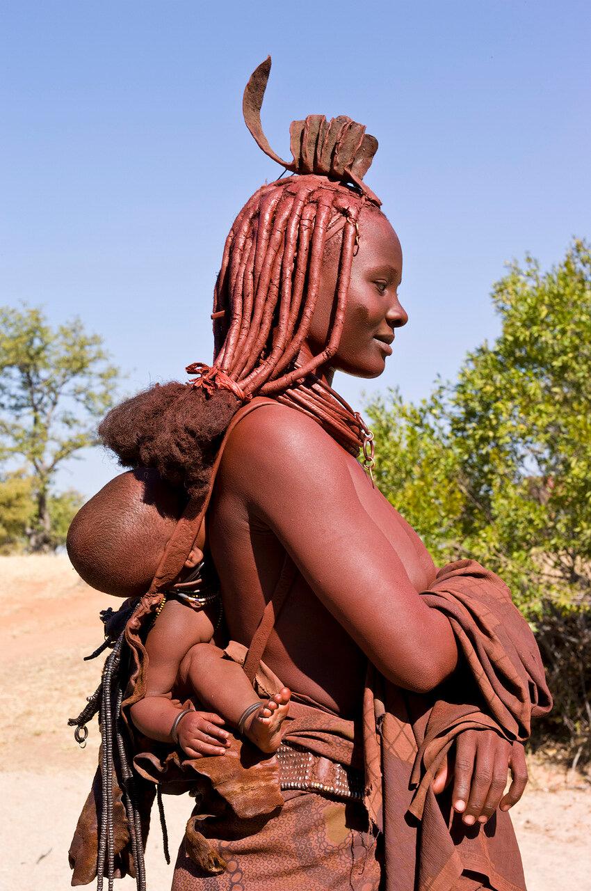 Женщина  из Моимбы, Ангола