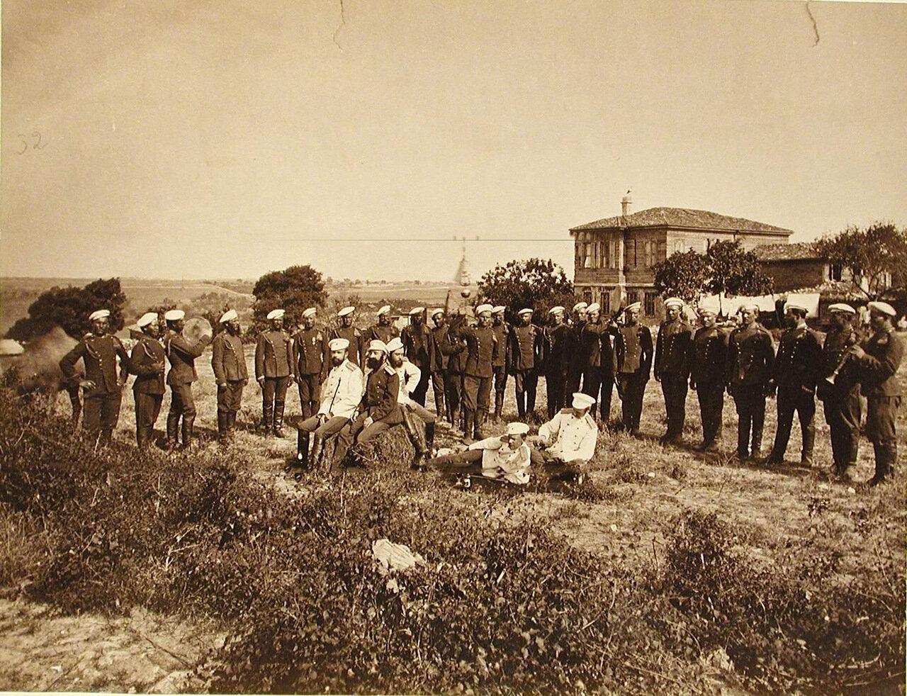 33. Группа офицеров и солдат 2-го эскадрона Лейб-гвардии Уланского полка. Турция. Галатария