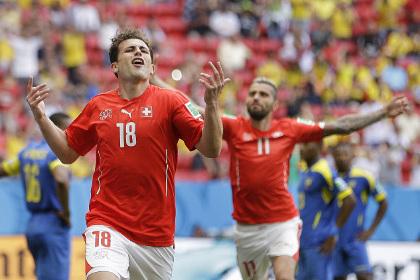 Швейцарии удалось в добавленное время обыграть Эквадор