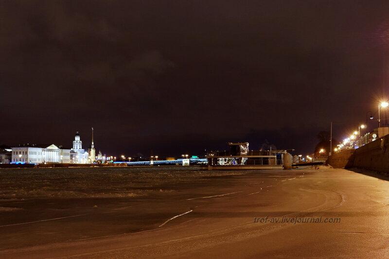 Дворцовый мост и Кунскамера ночью, Санкт-Петербург
