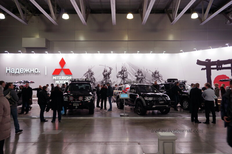 """Стенд Mitsubishi Motors, выставка """"Вездеходы-2014"""", Москва"""