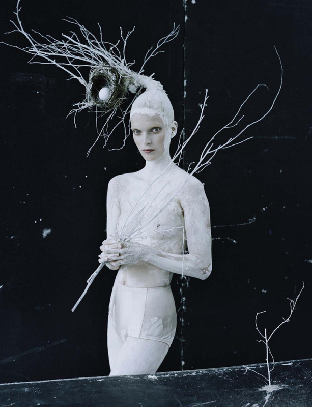 mirte-maas-by-tim-walker-for-vogue-italia-may-2015-1