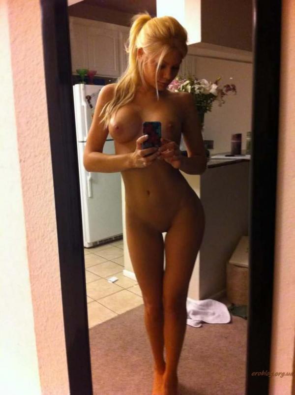 Голое селфи блондинок фото
