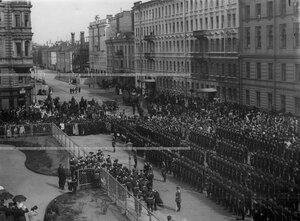Прибытие высшего командного состава на открытие памятника подвигам Саперного батальона .