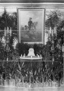 Модель памятника подвигам Саперного батальона , выставленная в зале офицерского собрания.