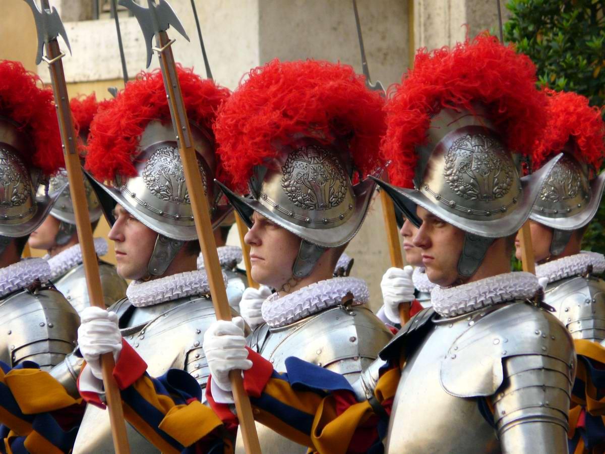 Швейцарская гвардия Ватикана: Новобранцы присягают на верность Папе Римскому (28)
