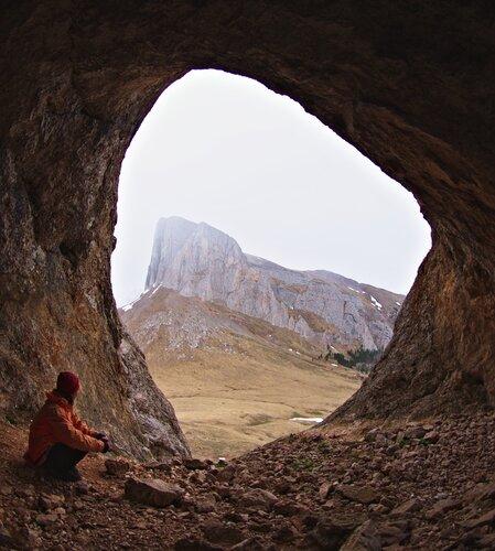 Вид изнути западного Ачешбока, на восточный.