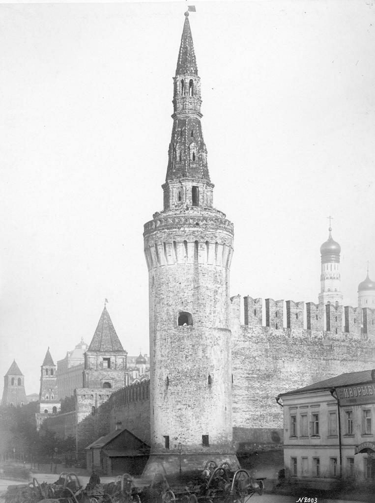 Беклемишевская и Замоскворецкая башни