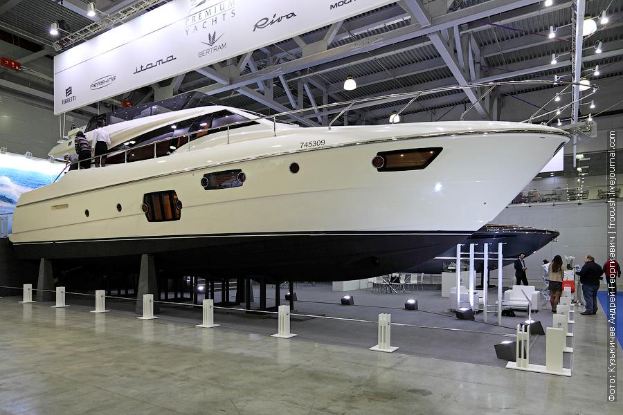 Выставка катеров и яхт Ferretti 620