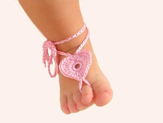 Связать на ноги детям