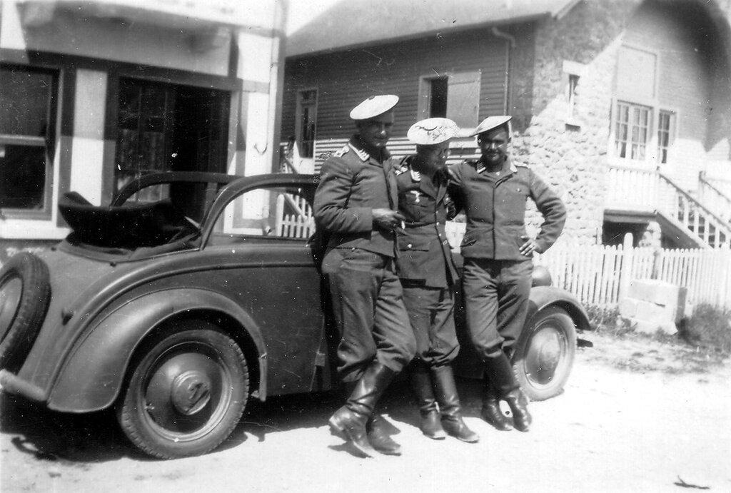 1941-1944 147