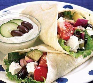 Греческий салат в лепешках