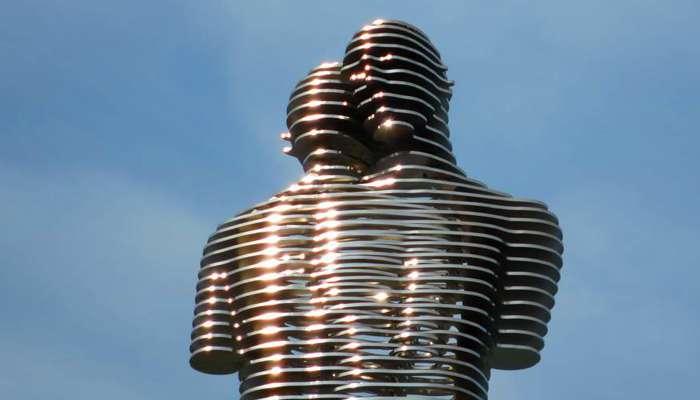 ВБатуми разбита скульптура, известная вовсем мире