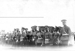 Группа офицеров батальона во время парада.