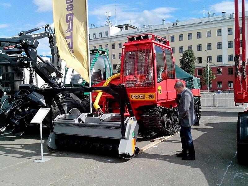 Мульчер (лесохозяйственный трактор) Онежец-390