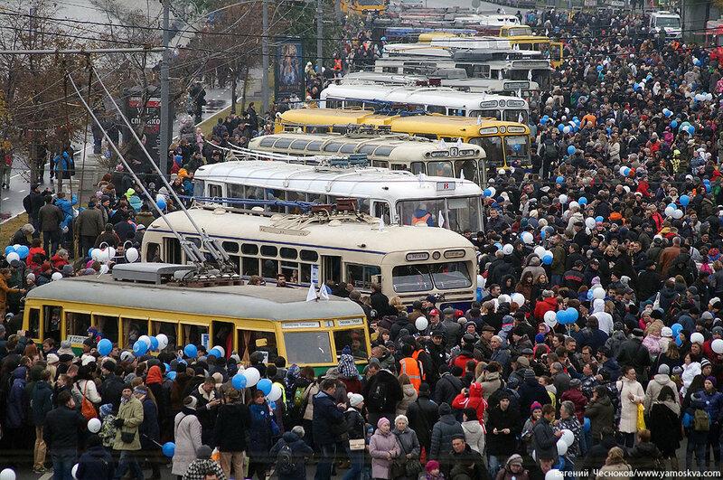 Осень. Парад троллейбусов. 24.10.15.26..jpg