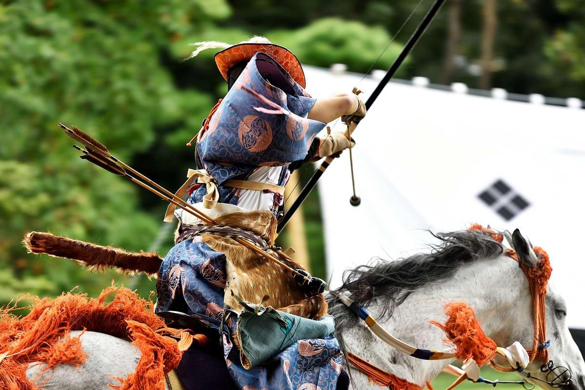 Стреляем из лука на полном скаку: Потомки японских самураев (24)