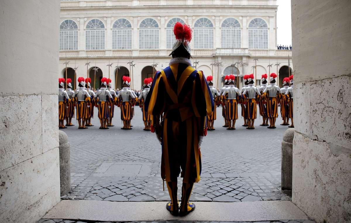 Швейцарская гвардия Ватикана: Новобранцы присягают на верность Папе Римскому (13)