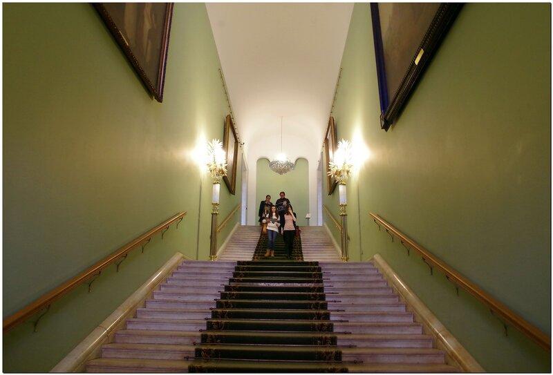 Лестница в экспозицию Третьяковки.