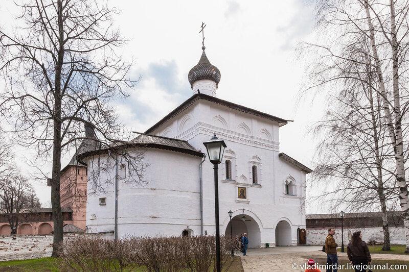 Надвратная церковь Благовещения Пресвятой Богородицы в Спасо-Евфимиевом монастыре в Суздале