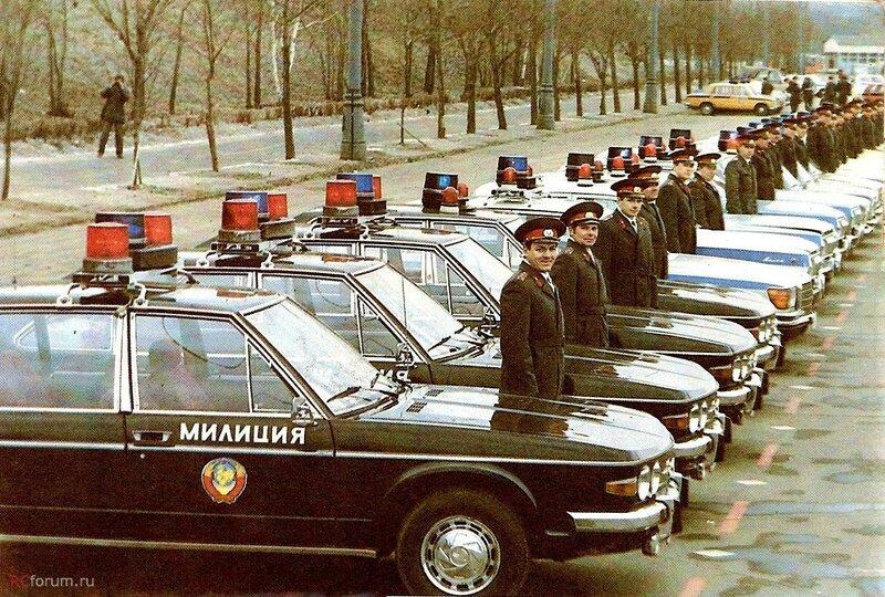 1975-80 Татра на службе в советской милиции. В Чехословакии автомобиль стоил чуль ли не в 3 раза дороже Волги..jpg