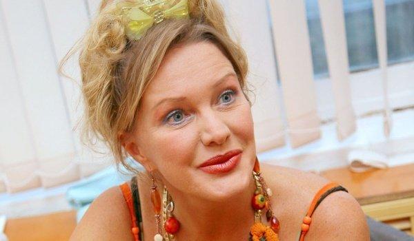 Елена Проклова подает на развод