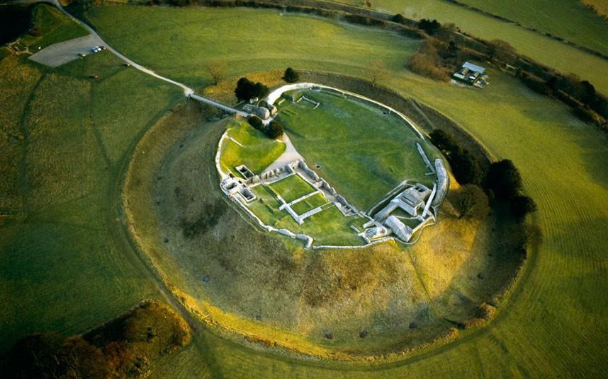 3. Старый Сарум когда-то был крепостью железного века, построенной 5000 лет назад. Именно здесь нахо