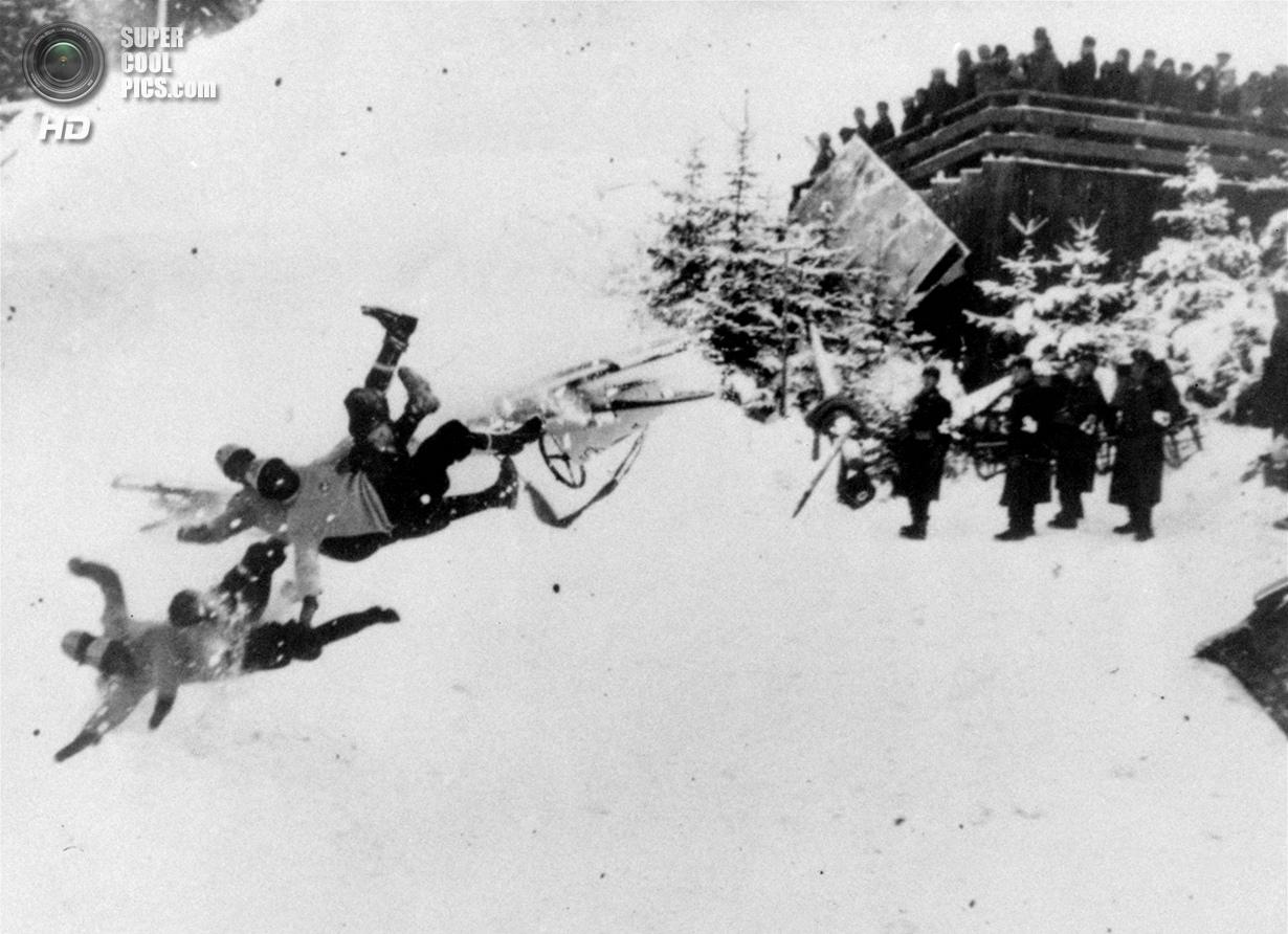 Третий рейх. Гармиш-Партенкирхен, Бавария. 19 февраля 1936 года. Неудачный заезд итальянского экипаж