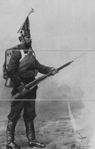 Солдат в парадной форме 1883 - 1907 гг.  - репродукция с картины.