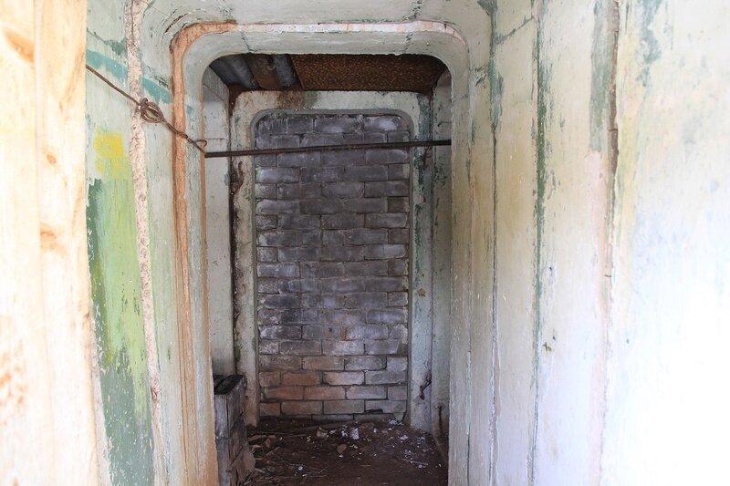 подземный коридор на заброшенной позиции ЗРК С-75
