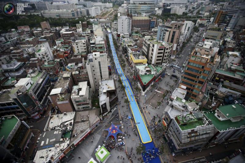 350-метровая водная горка в Сеуле