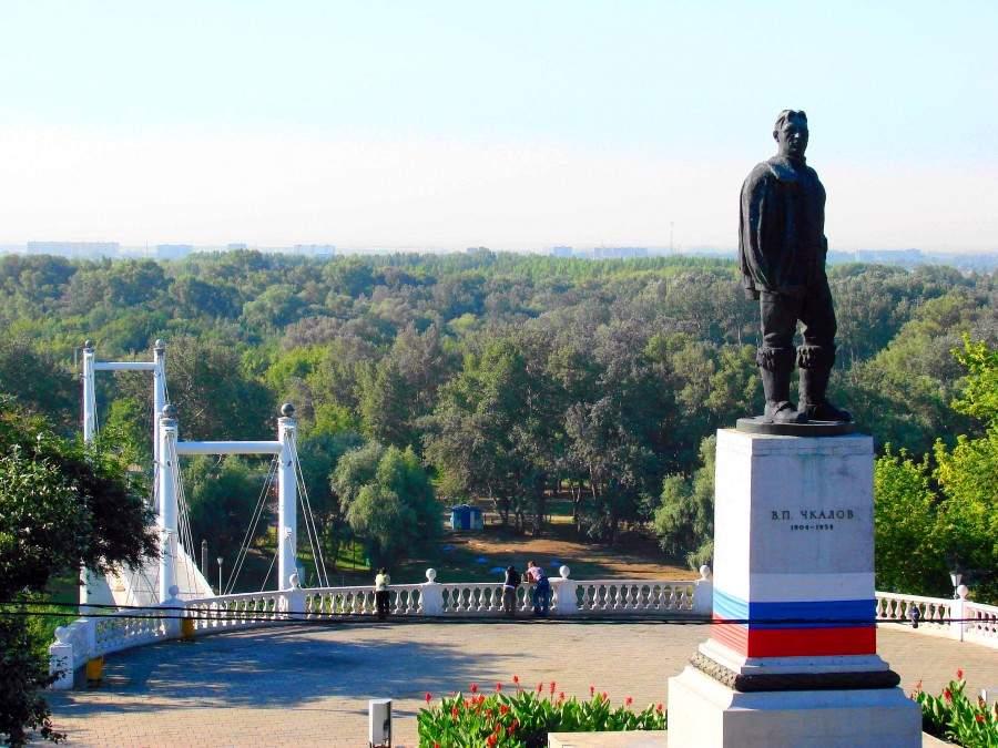 Памятники в оренбурге знаменитые гранитная мастерская москва в екатеринбурге