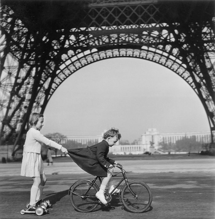 historical-children-playing-photography-41-589dbf2eb808c__700.jpg