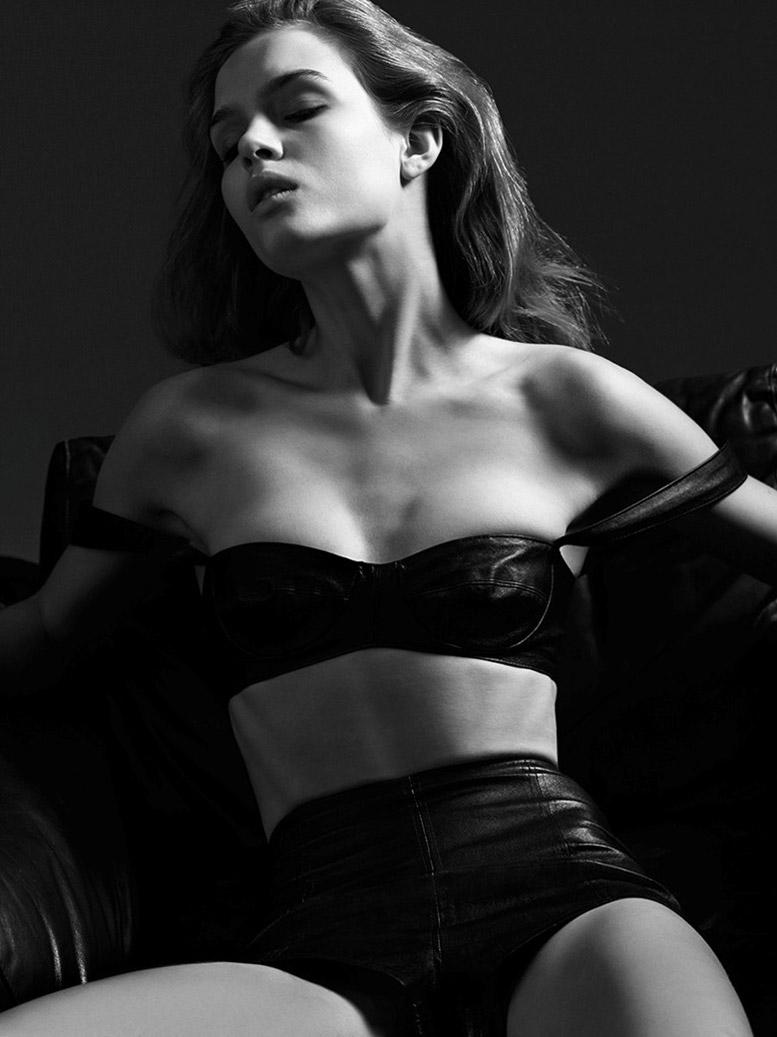 Жозевин Скривер / Josephine Skriver by Dario Catellani in FAT Man No.1