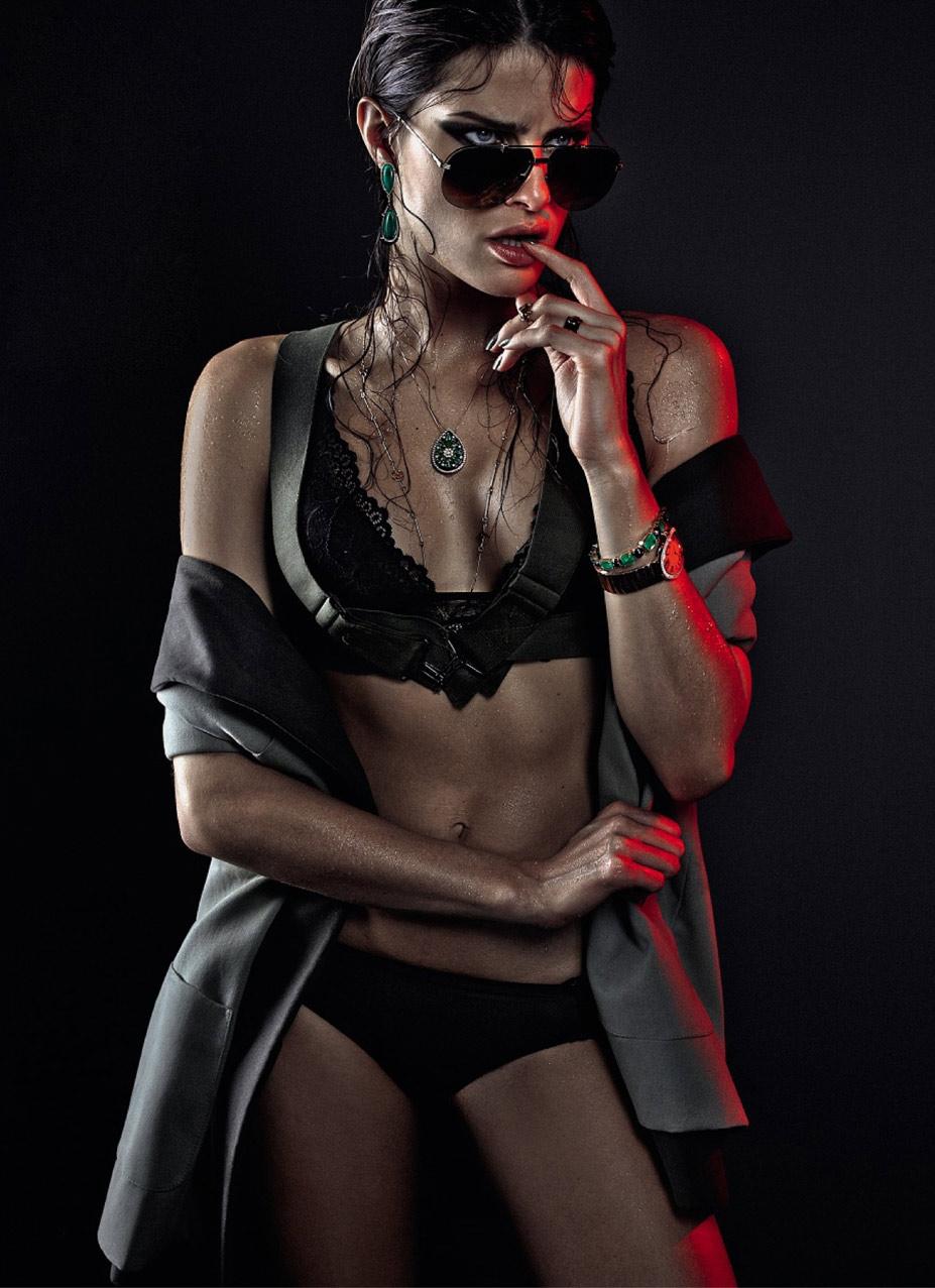 Прекрасный воин - Изабели Фонтана / Isabeli Fontana by Zee Nunes in Vogue Brazil april 2013