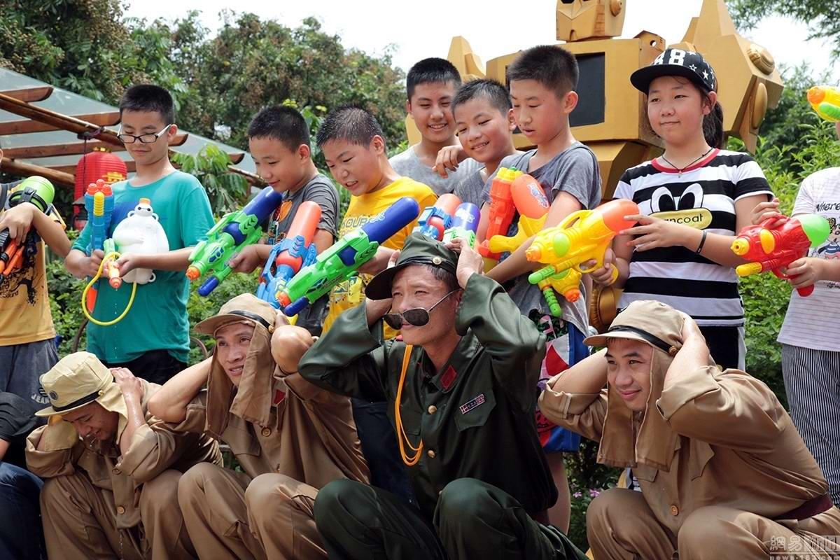 Крутые стрелялки: Китайский агротуризм с развлекательно-патриотическим уклоном (10)