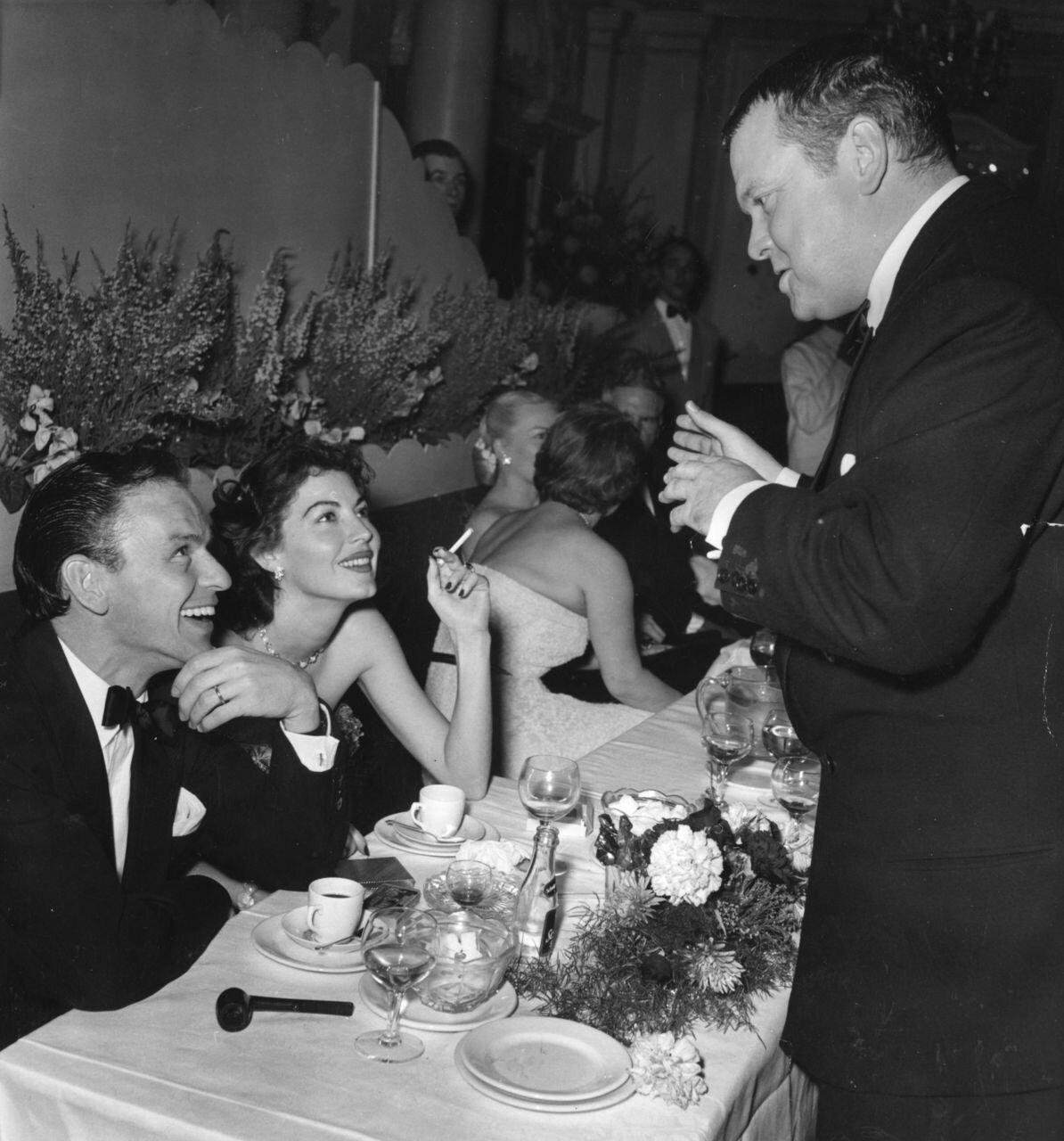 1955. Фрэнк Синатра, Ава Гарднер и Орсон Уэллс