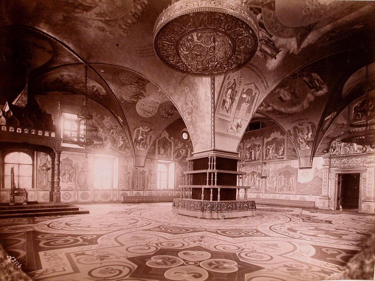 Интерьер Грановитой палаты в Кремле