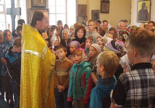 На богослужении. Православные детские группы