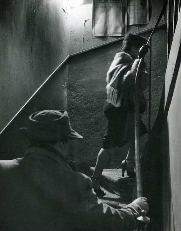 robert-doisneau-the-stairway-1952.jpg