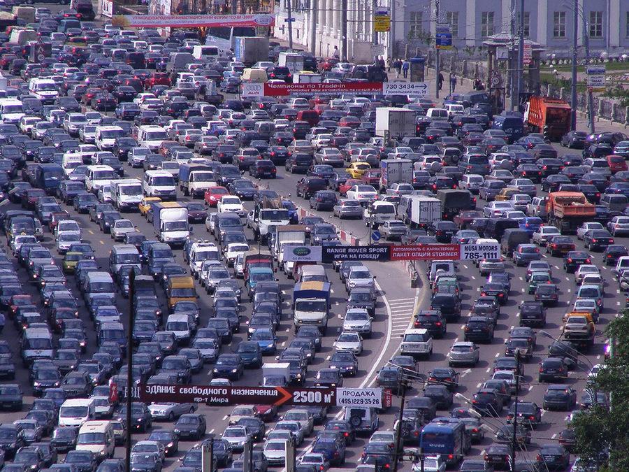 Причины образования дорожных пробок и виртуальный симулятор