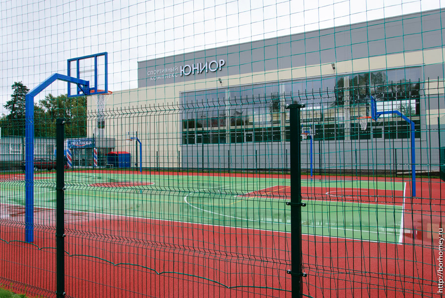 баскетбольная площадка у дюсш