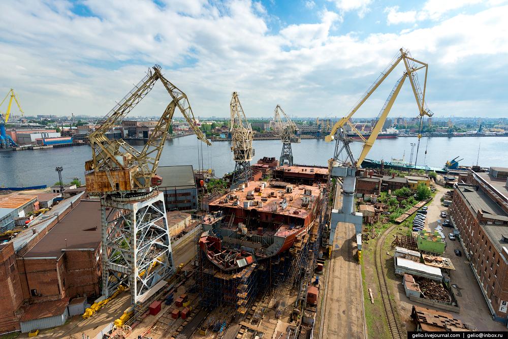 Балтийский завод — строительство атомного флота страны.
