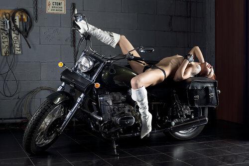 Не одинокий мотоцикл