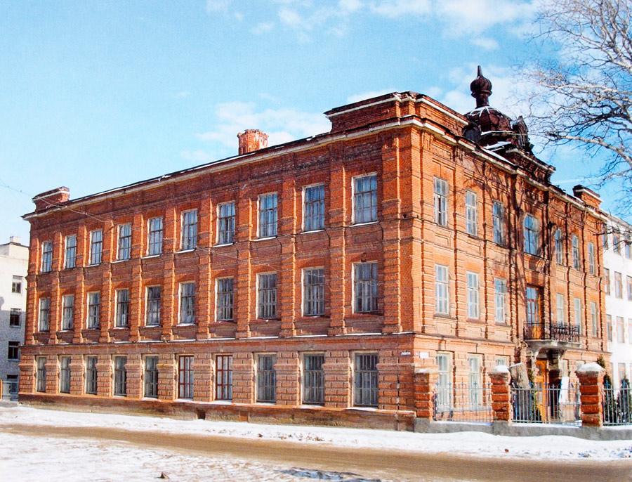 Здание бывшего детского приюта в Ельце
