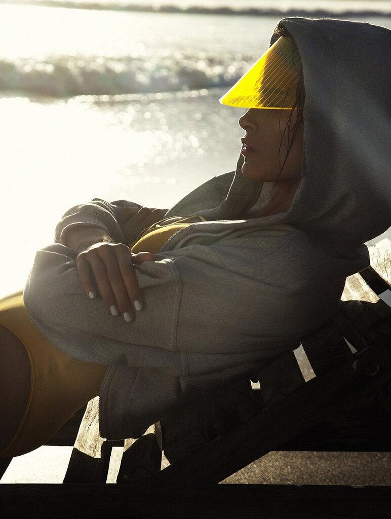 пляжный сезон и купальники / Дженна Питерсен / Jenna Pietersen by Daniella Midenge in Myself Magazine may 2014