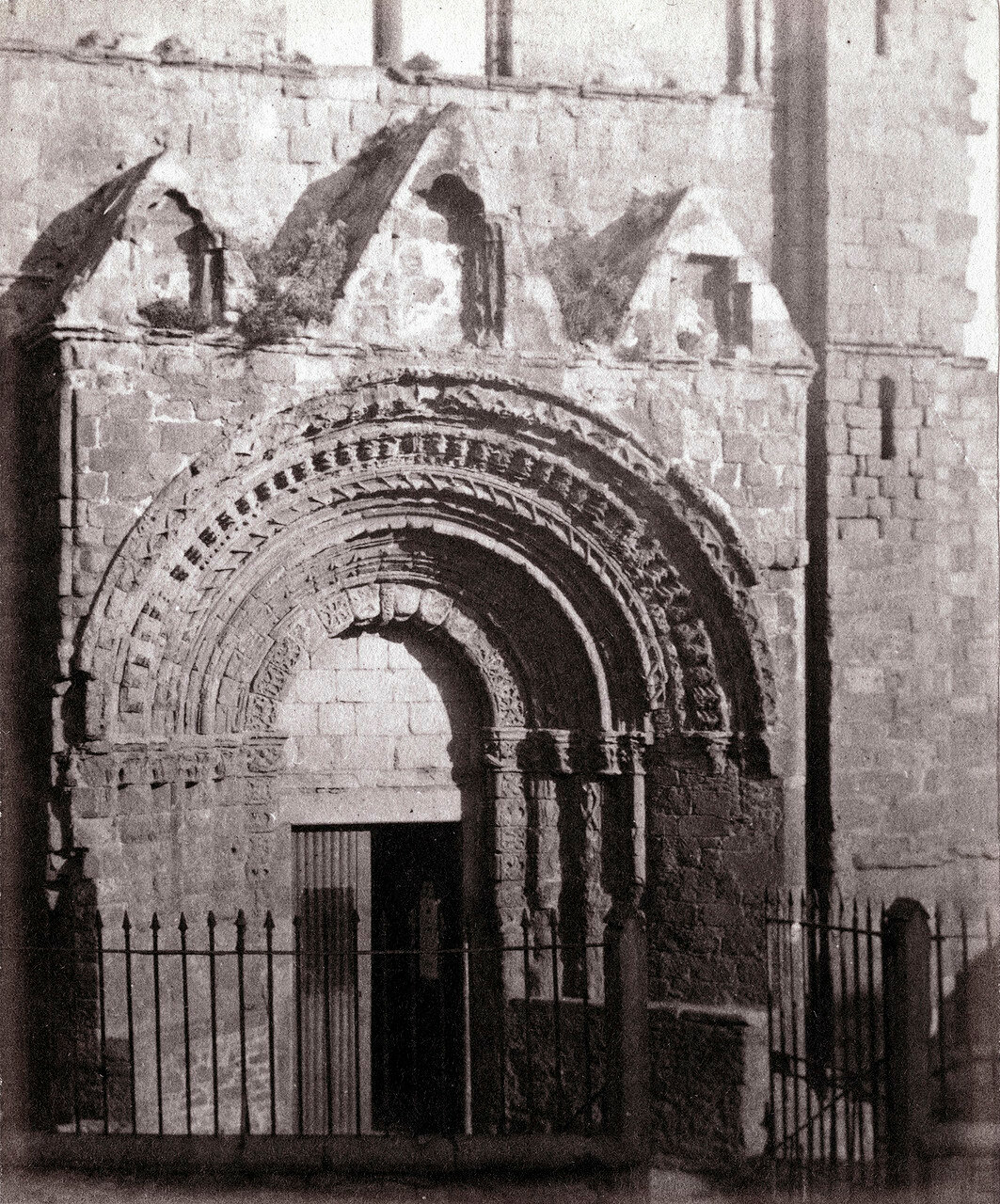 Аббатство Джедберг, западные врата. Великобритания,1864