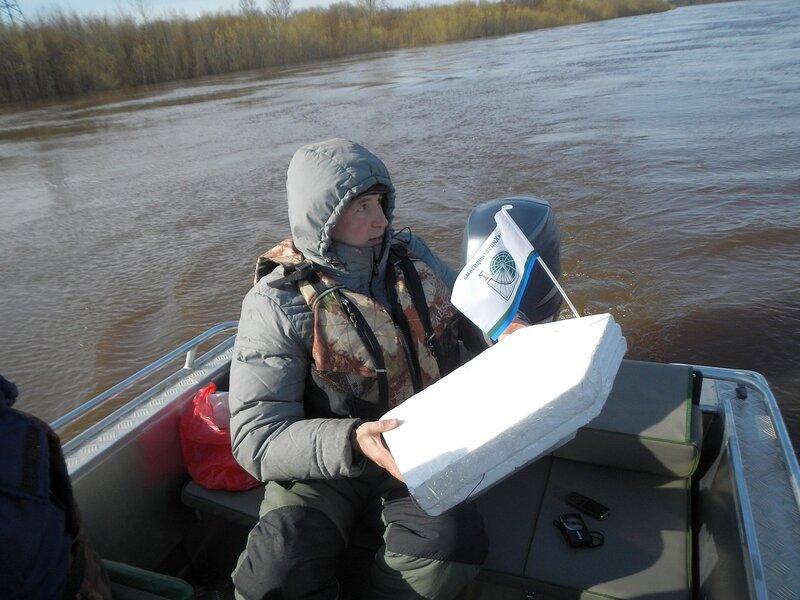 Кораблик с GPS-трекером для измерения скорости потока воды