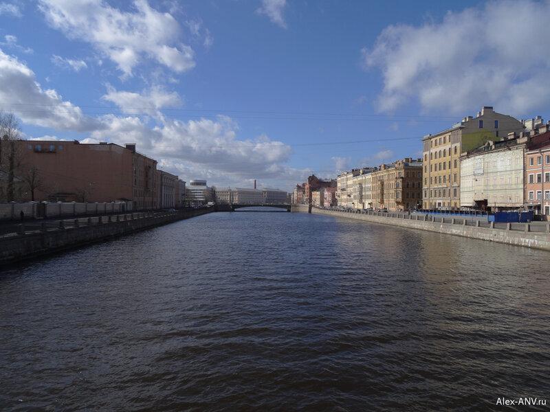 С него открывается вид на следующий мост - Египетский.